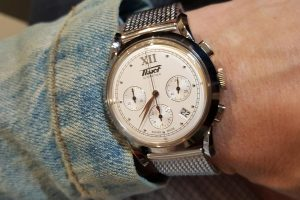 Tissot surprises with the 39.5mm Heritage 1948 equipped with an ETA 2894-4. Cool chrono, cool Milanese bracelet.