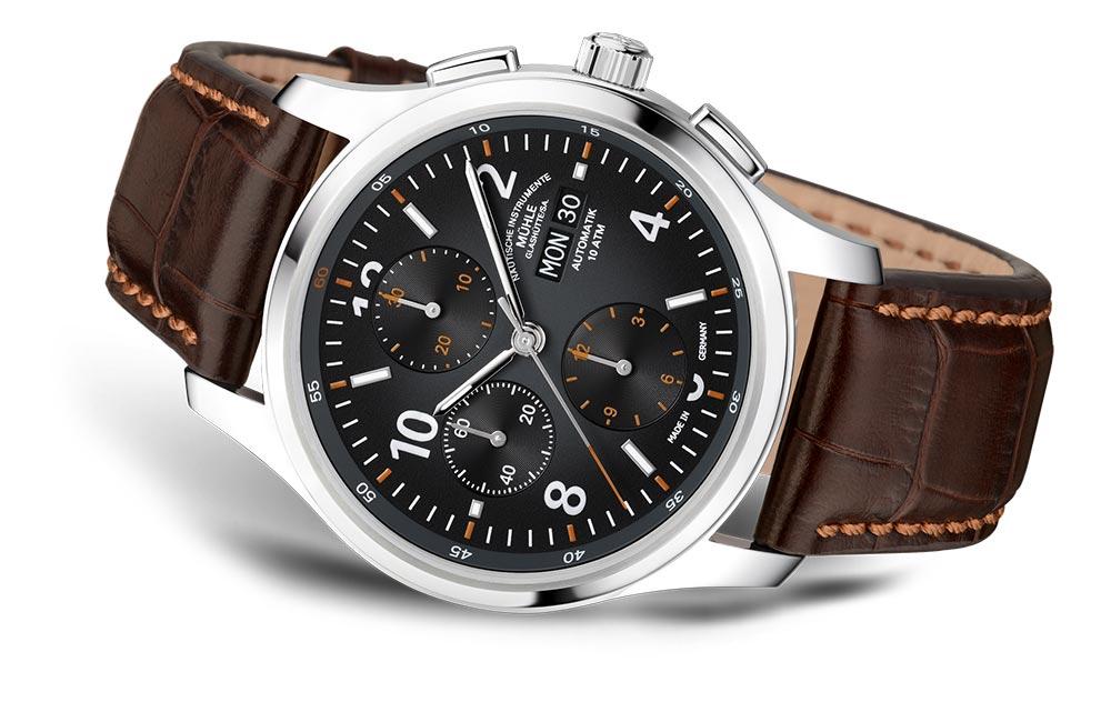 muehle-glashuette-new-lunova-chronograph-liegend