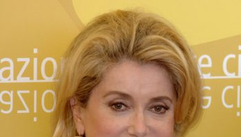 jaeger-lecoultre-pays-homage-to-catherine-deneuve-in-venice-intro